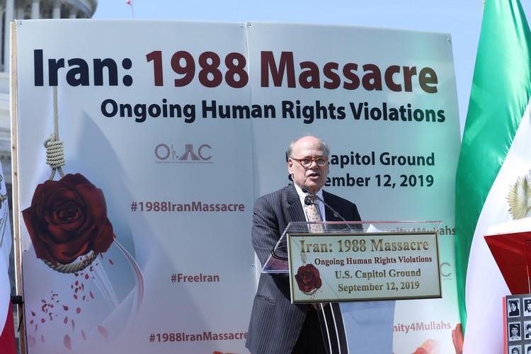 4__Congressman Steve Cohen at OIAC Iran Human Rights Exhibition, U.S. Capitol Hill, Sept 12, 2019.J