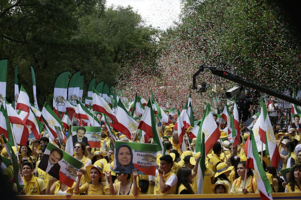 Solidarity March 2019 - Confettis everywhere - Iranian American Communities Solidarity March with Iranian People for Regime Change - June 21, 2019 - Washington DC across DOS (17)